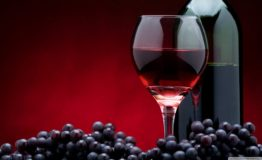 red_wine_bottle-wallpaper-1366x768